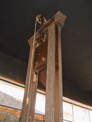 Guillotine photo from Vietnam